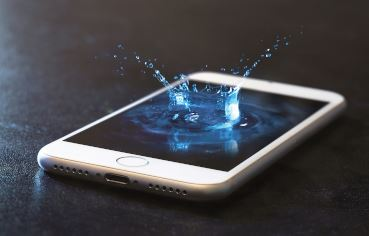 I dropped my phone into water - what can I do? - news image on imei.info